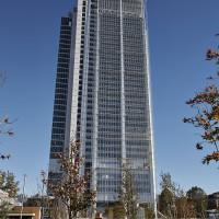 """Inaugurato il grattacielo Intesa Sanpaolo. Un """"frammento di ghiaccio"""" su Torino"""