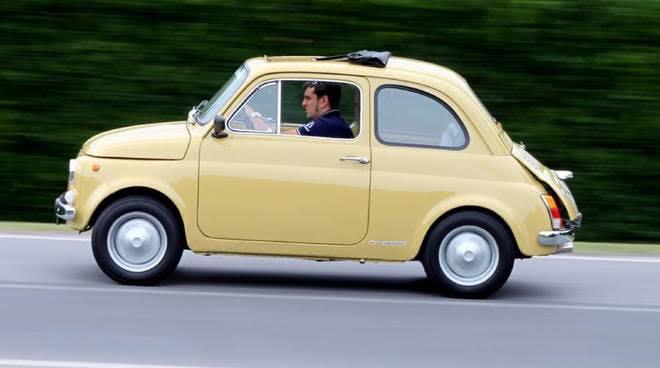 Raduno delle Fiat 500 storiche a Carignano-La Pancalera