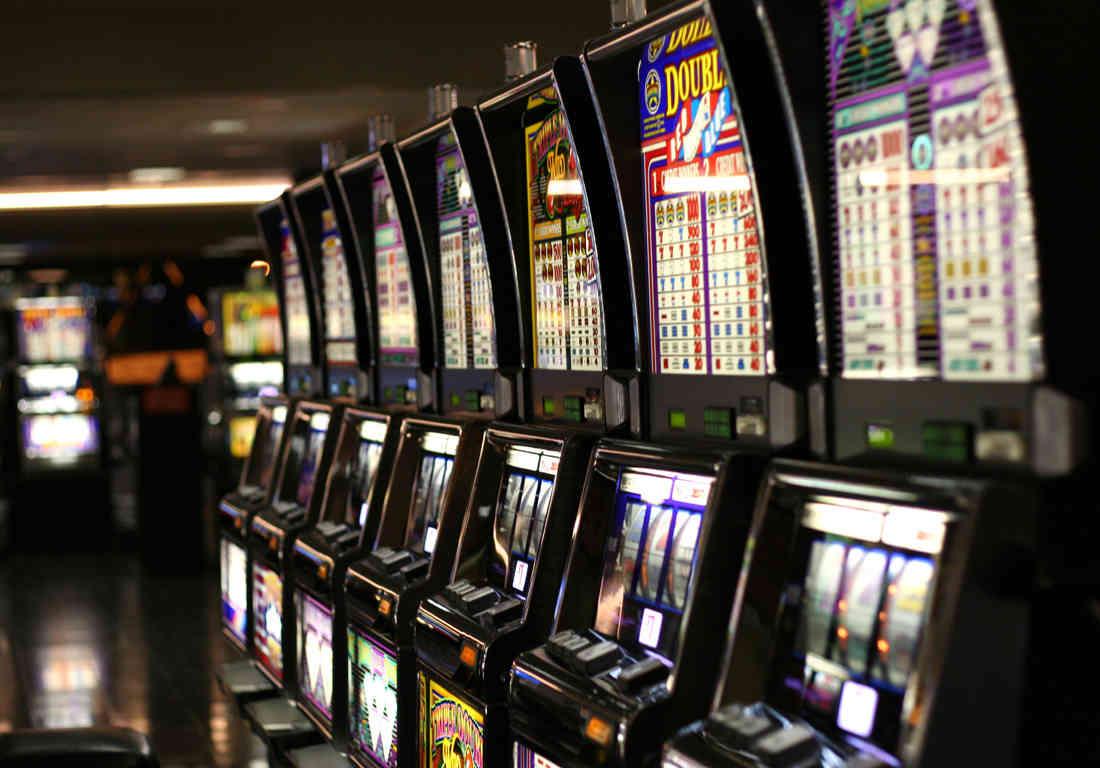Gioco d'azzardo, regolamentati gli orari a Carmagnola