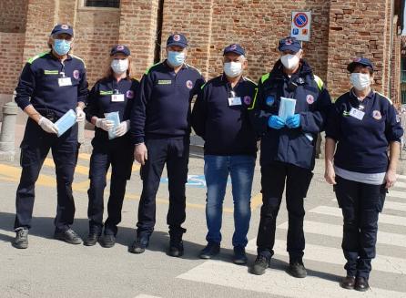 Osasio dona 200 tute idrorepellenti agli operatori dell'ASL To5