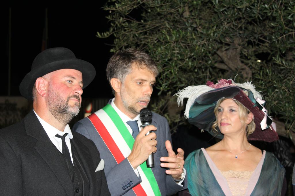 A-Viverbe-il-sindaco-Luca-Pochettino