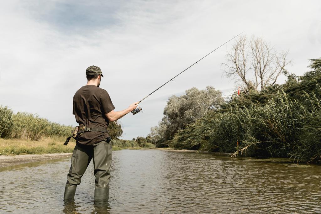 Via libera alla pesca dilettantistica sportiva e all'addestramento dei cani