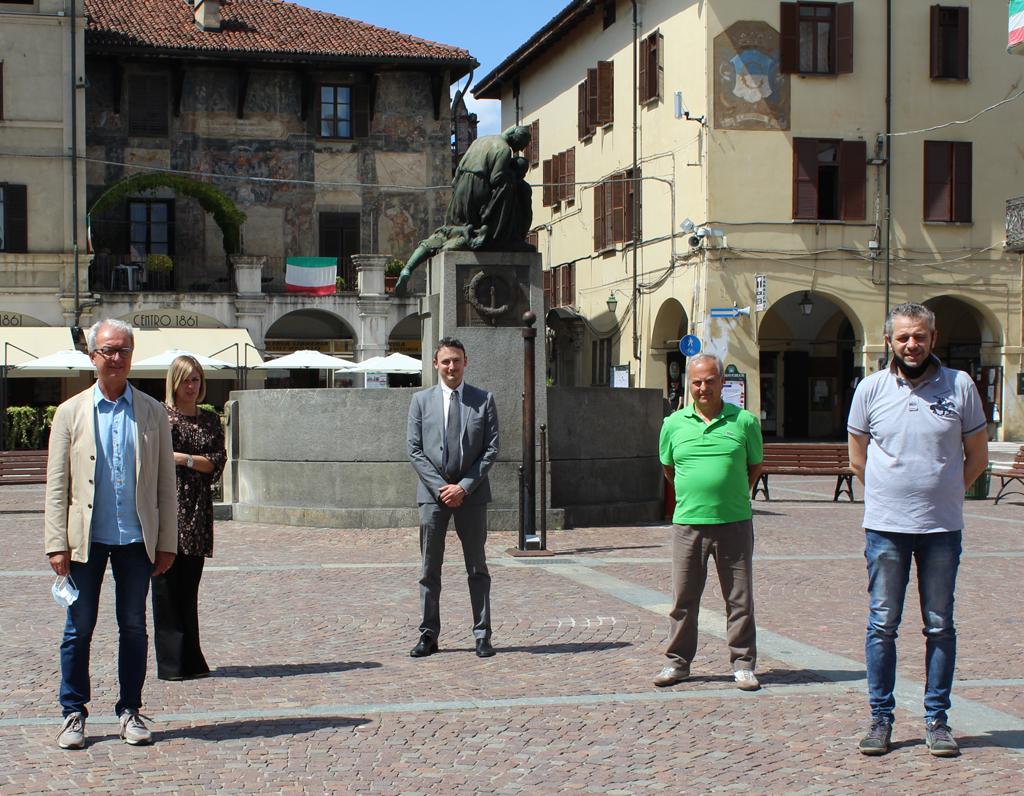 Diego-Quaterni-e-il-gruppo-di-Forza-Italia