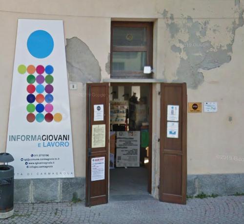 Carmagnola, l'Informagiovani ha una nuova sede nel Palazzo Comunale