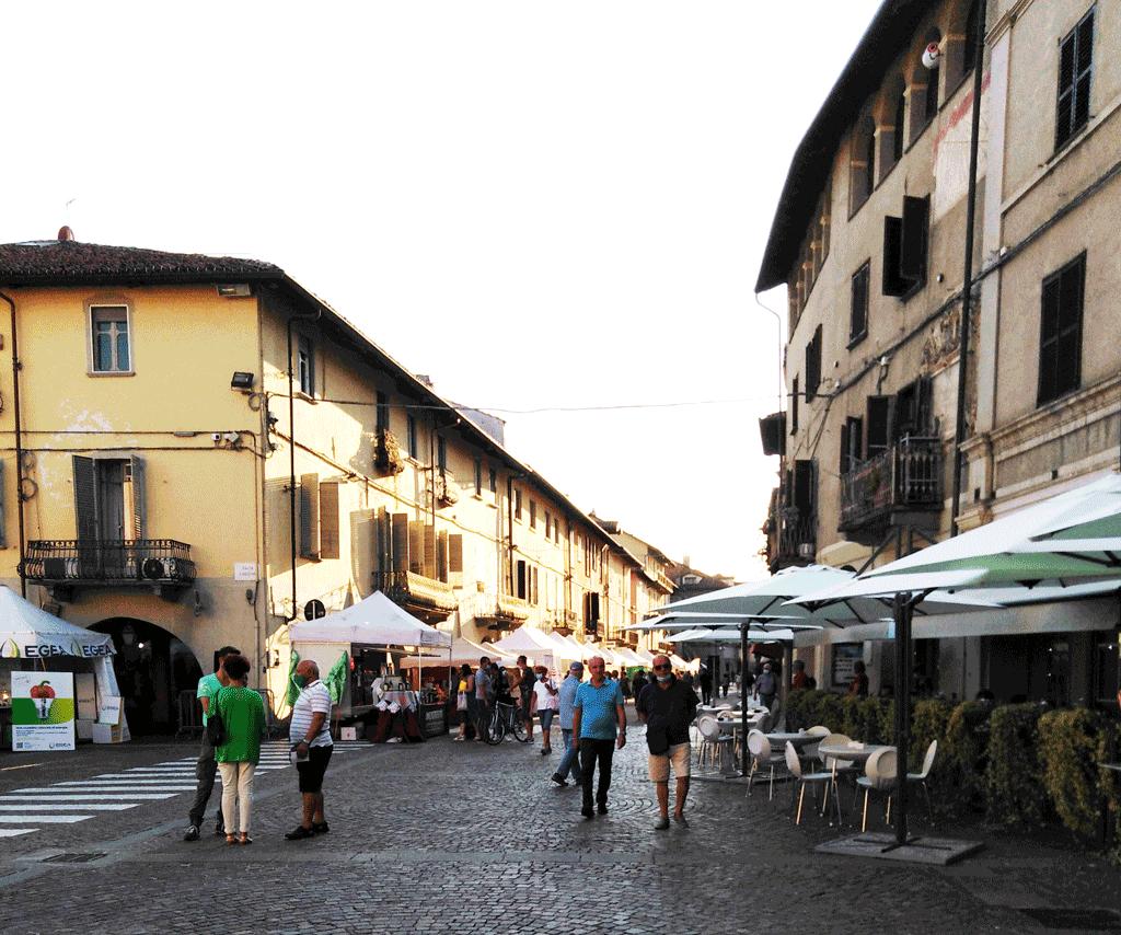 Peperone, la fiera della città piace ai carmagnolesi