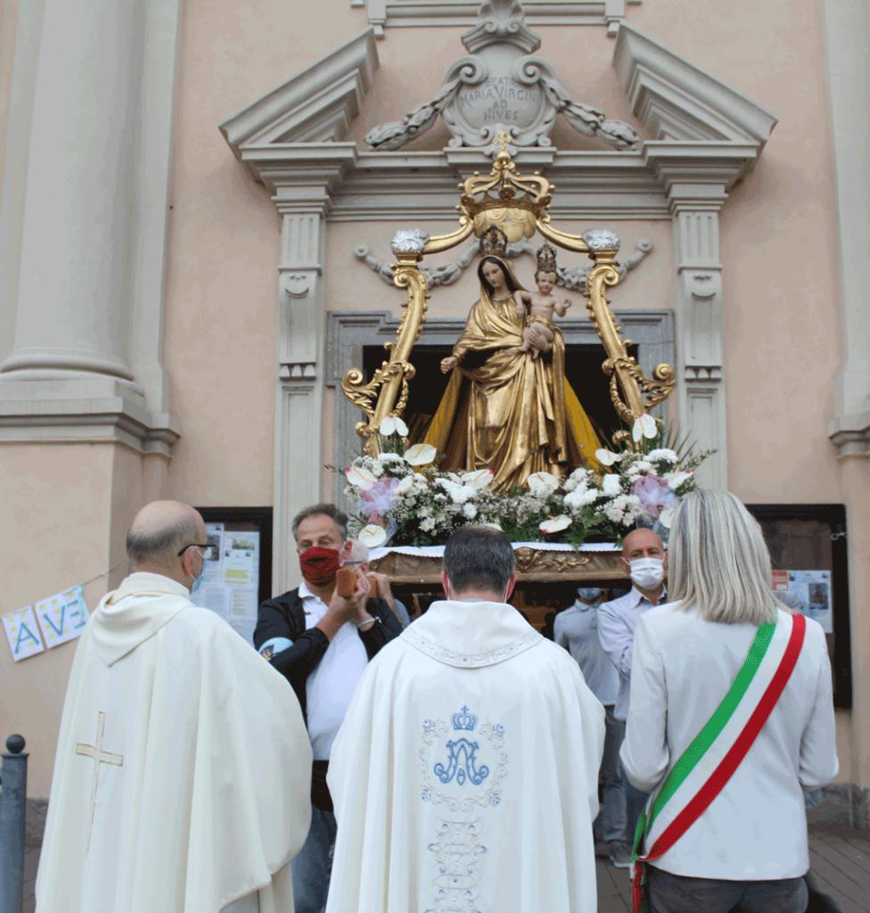 La-statua-della-Madonna-della-Mercede