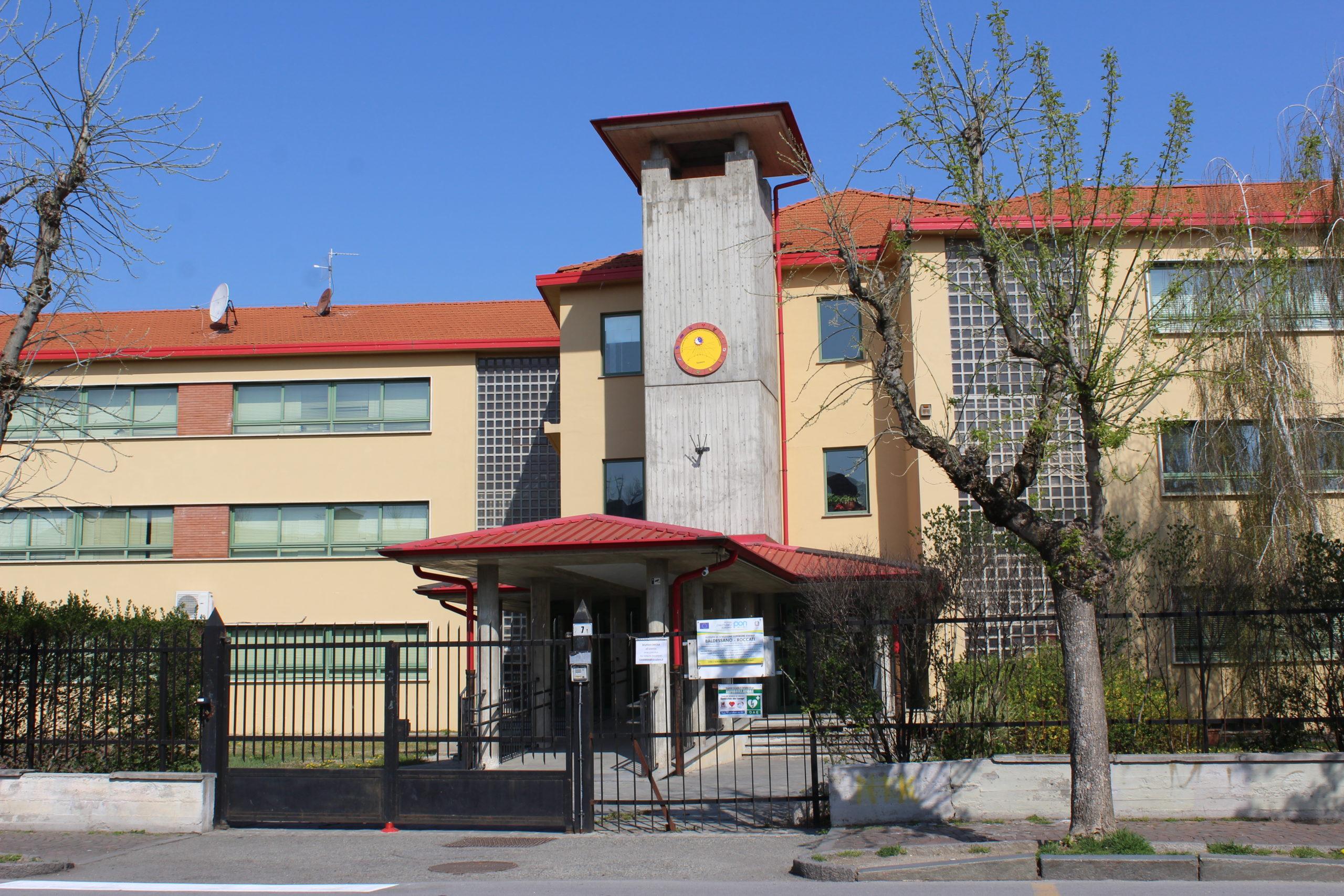 In Piemonte nuove restrizioni per scuole e centri commerciali