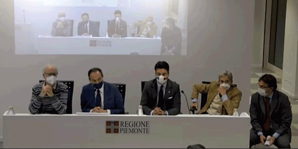 Conferenza-stampa-vaccini
