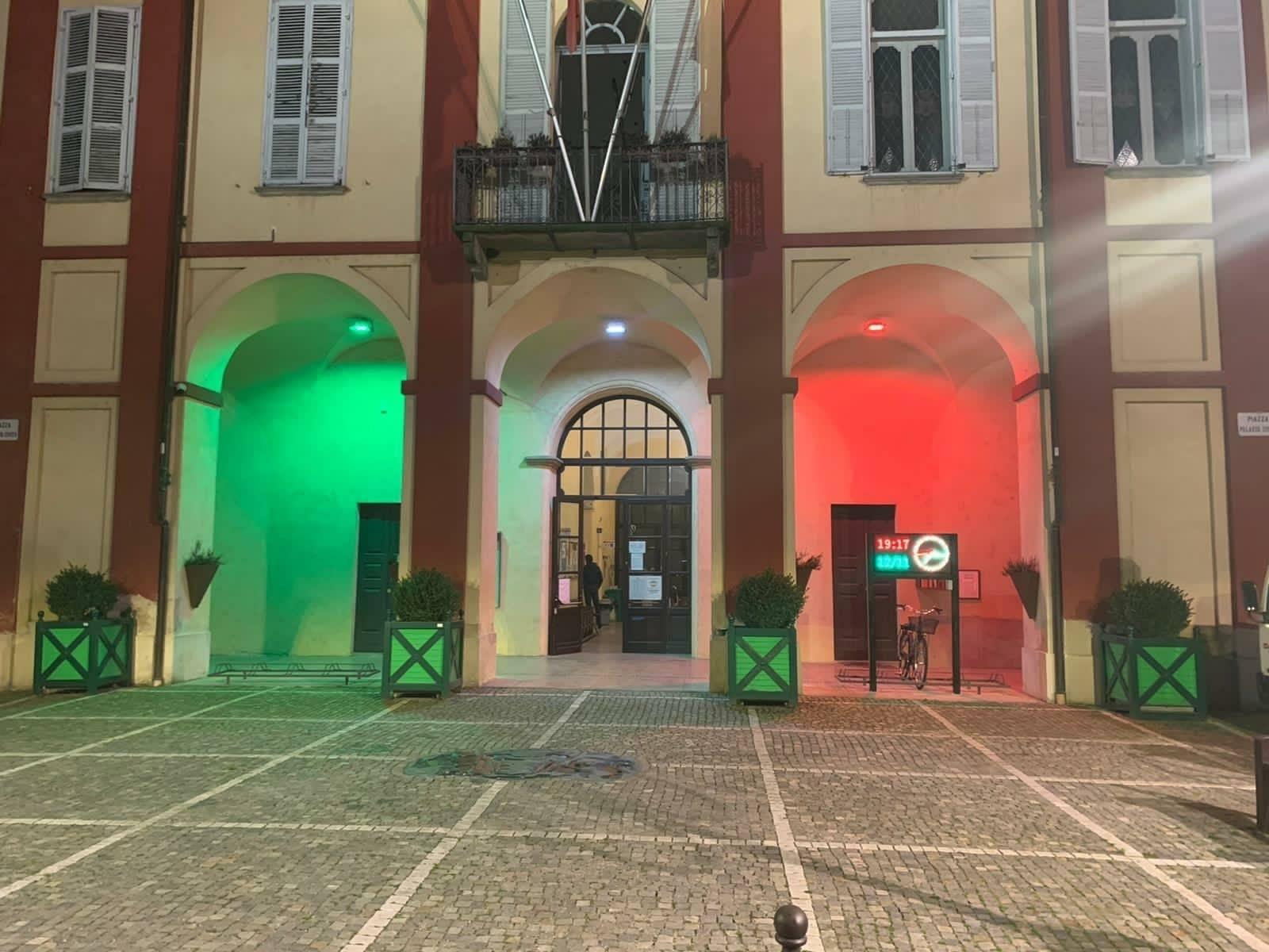 Il tricolore a Vigone e una nuova illuminazione di monumenti