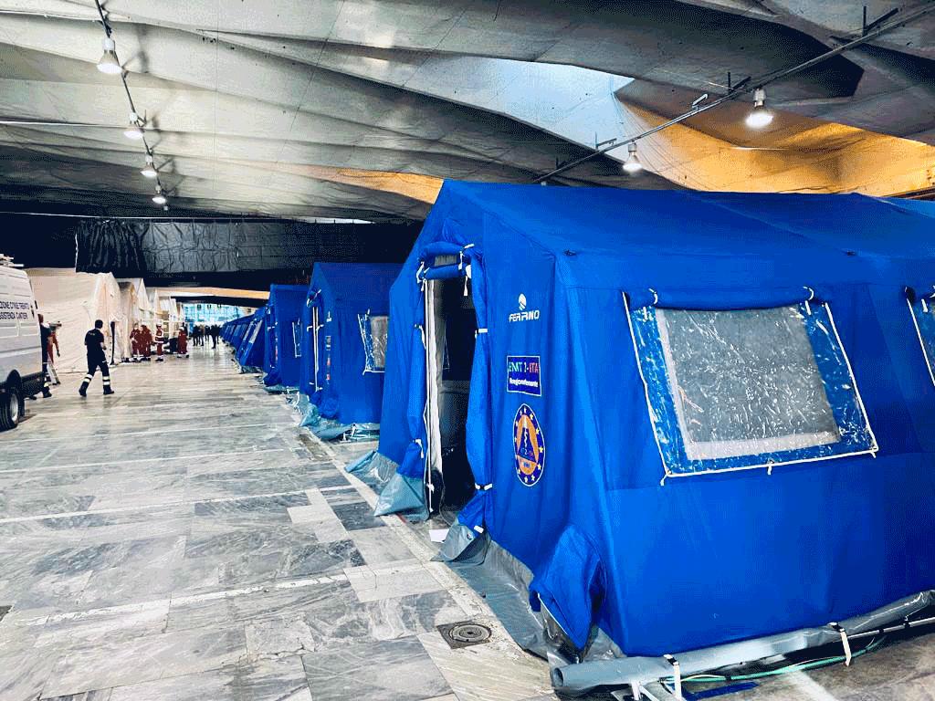 Torino Esposizioni, montate le prime tende. Accoglieranno 450 posti letto