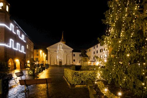 Natale a Carmagnola con buoni spesa per gli acquisti nei negozi
