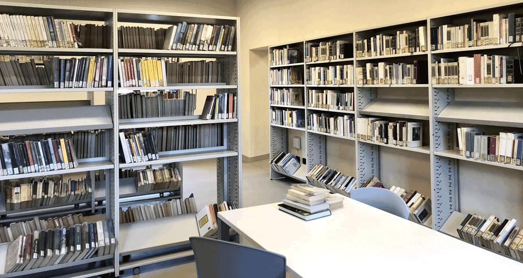 Prestiti e consegne a domicilio: riprende l'attività la biblioteca di Saluzzo