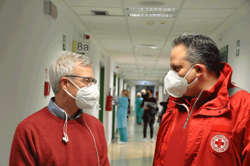 Vaccini contro il Covid ai volontari della Croce Rossa, 100 persone al giorno