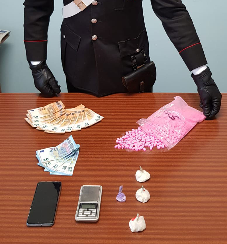 Arrestato per detenzione e traffico di stupefacenti dai Carabinieri di Sommariva