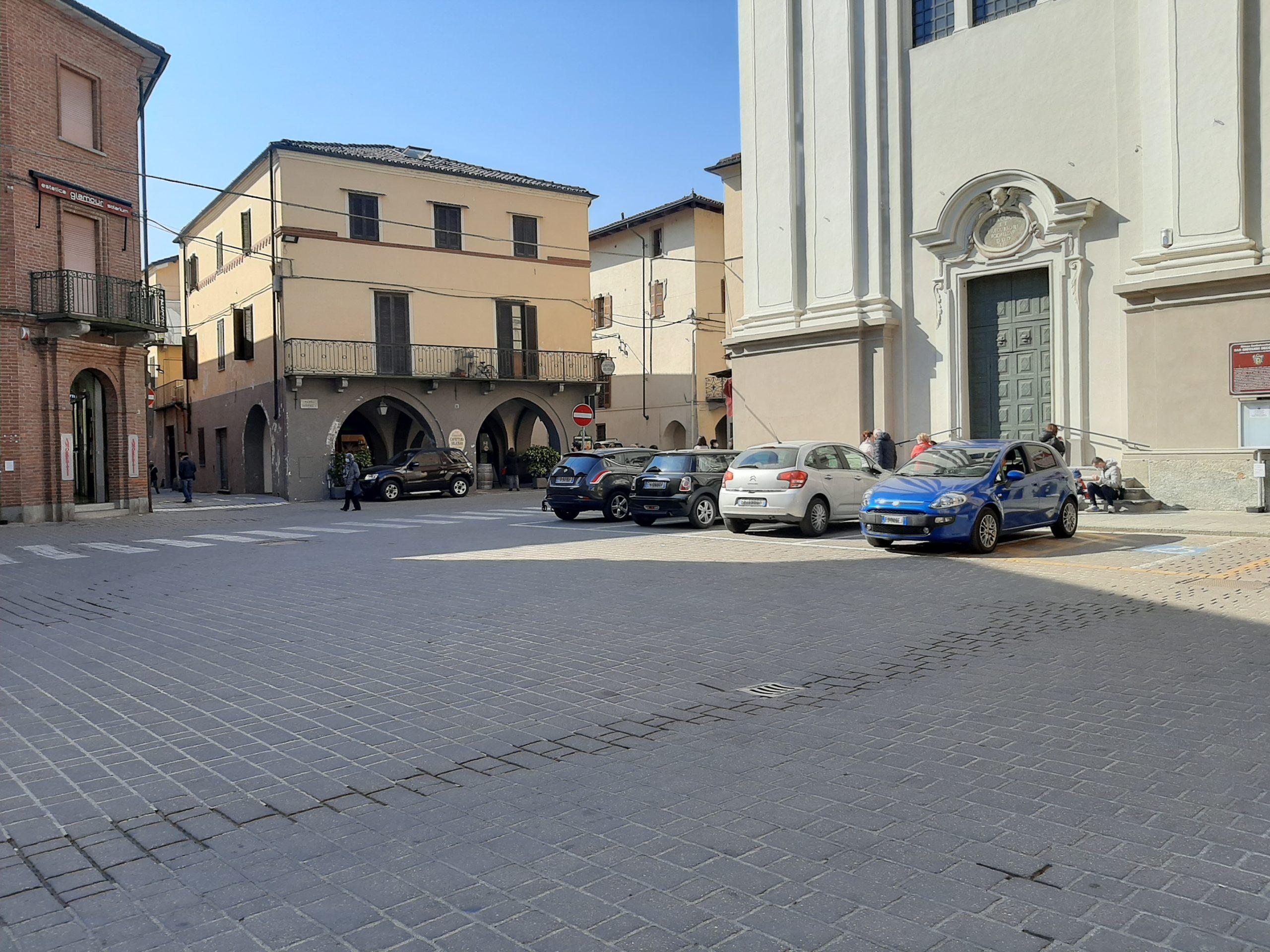 Carmagnola, partono i lavori in piazza Garavella per l'area mercato