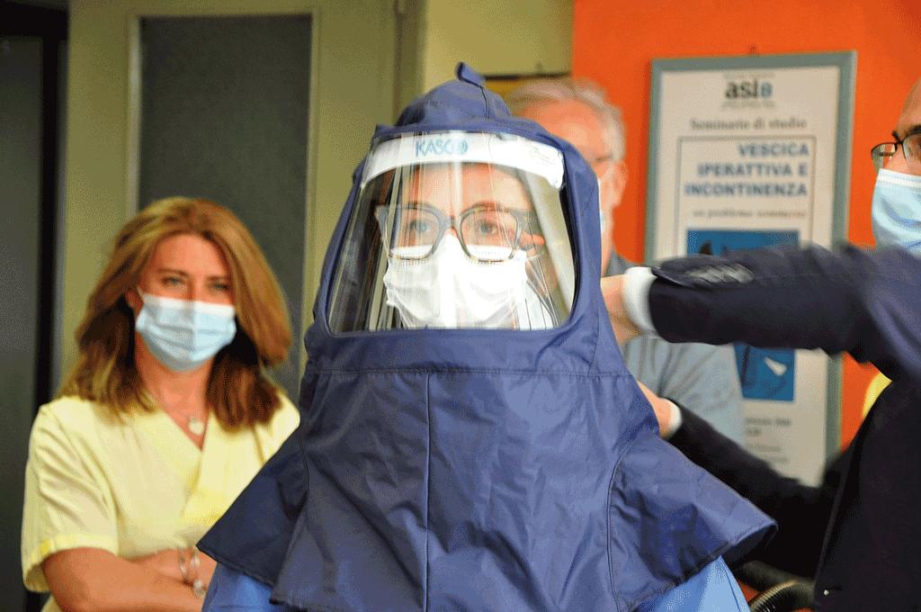 Rotary dona 35 caschi per la ventilazione sub intensiva a Carmagnola