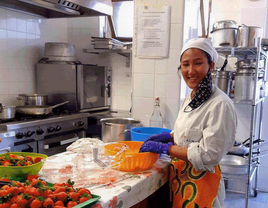 Tirocinio per giovane afgana con Fondazione di Comunità e Karmadonne