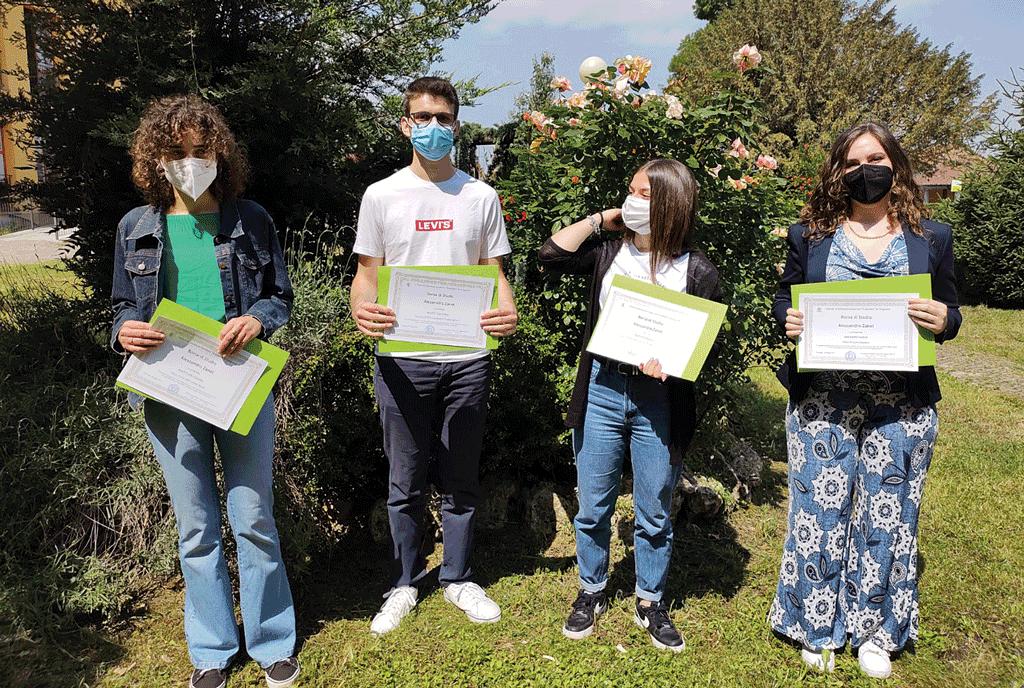 Borsa di studio Alessandro Zanet a quattro studenti di Carignano