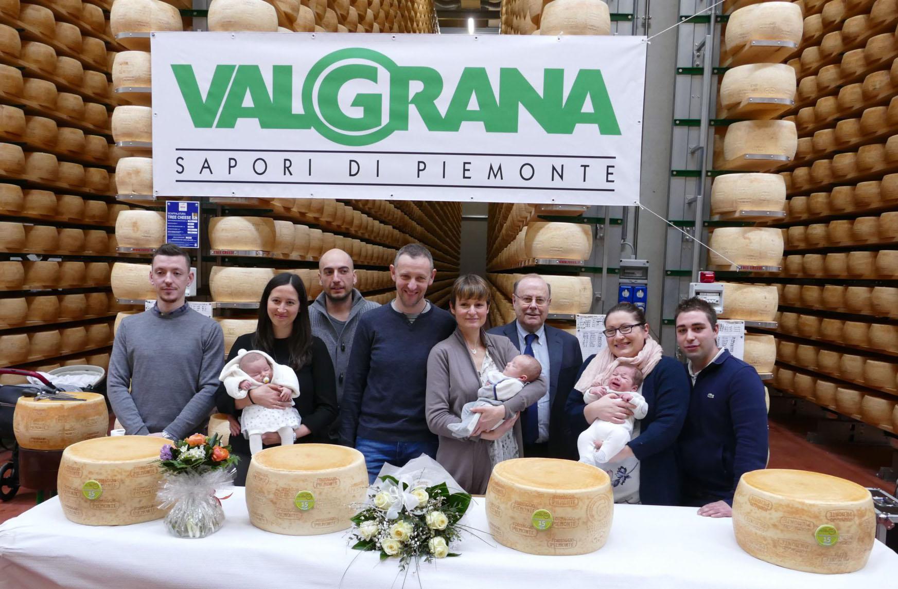 Valgrana premia i primi nati del 2021 nel cuneese e a Scarnafigi