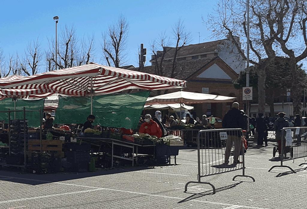 Si svolge regolarmente il 2 giugno il mercato a Carmagnola