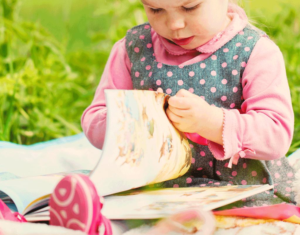 Letture per bambini con la tecnica kamishibai a Vigone