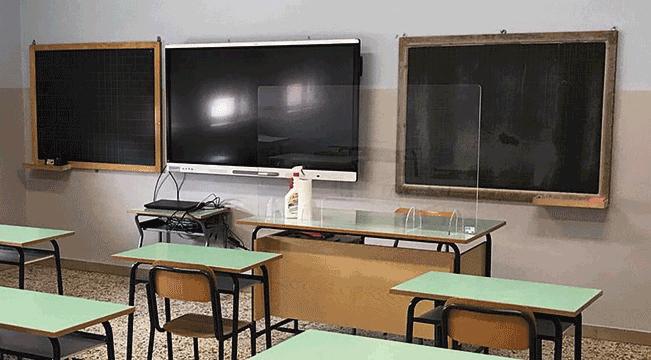 Nuova lavagna multimediale alla scuola di Torre San Giorgio