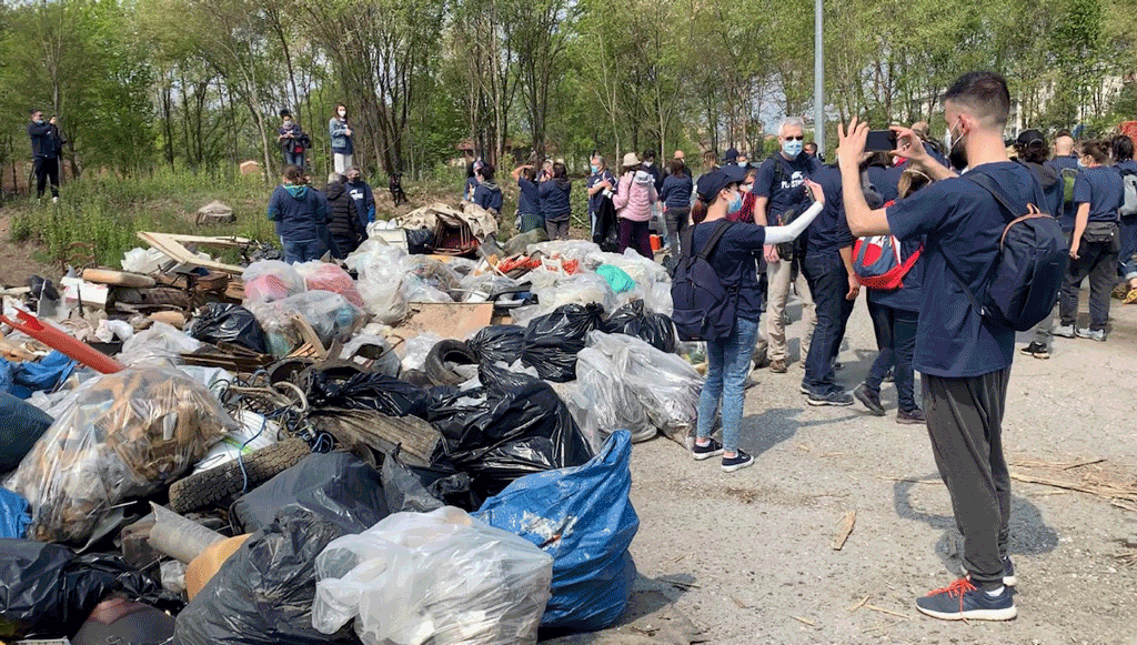 Plastic-Free-pulizia-parco-del-Mesino-Torino-la-Pancalera