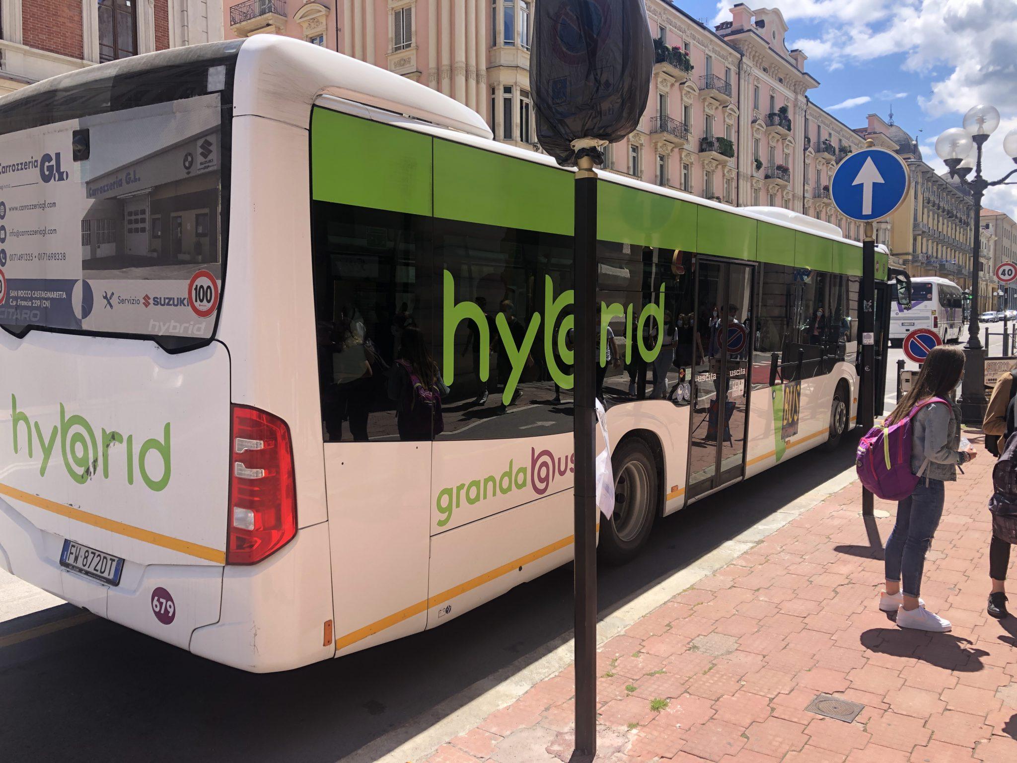 Granda Bus segnala pochi disservizi sul trasporto pubblico con l'entrata in vigore del green pass